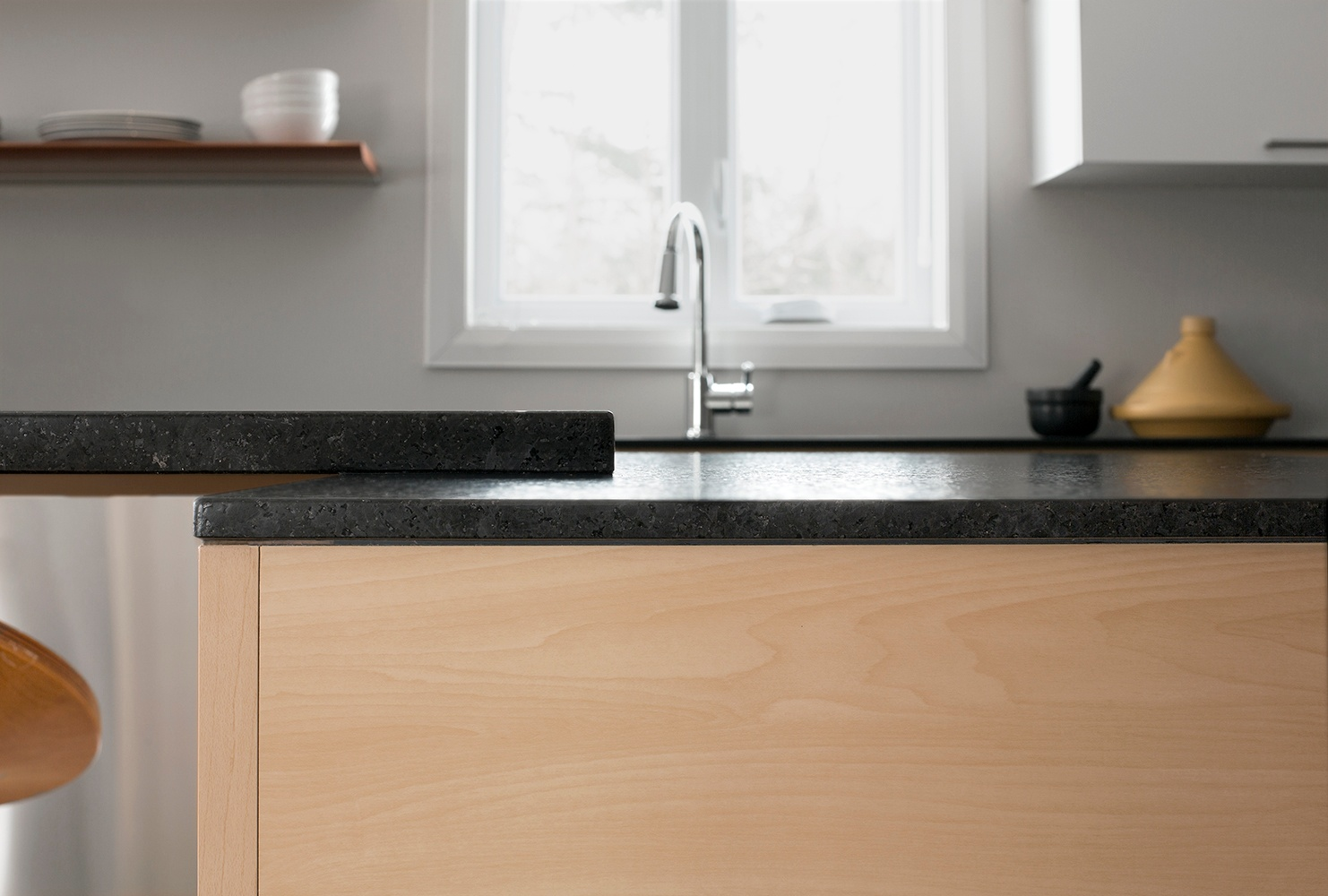 The thinness of 1 cm countertops is striking when paired with 2 cm ...
