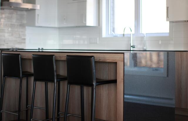 thin-countertops-cambrian-black-granite-polycor.jpg