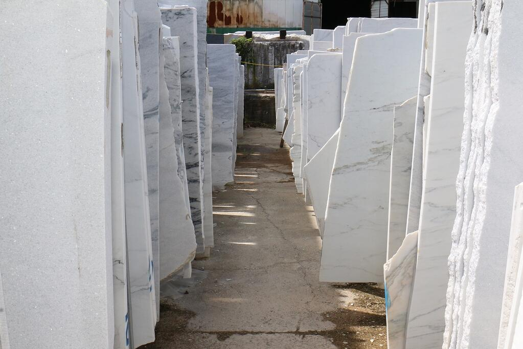 american-marble-interior-designer-polycor-georgia-marble-quarry-tour-2016.jpg