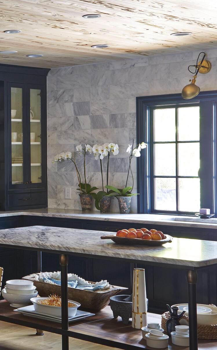 pam-sessions-hedgewood-homes-georgia-marble-kitchen-island-carrera-tile