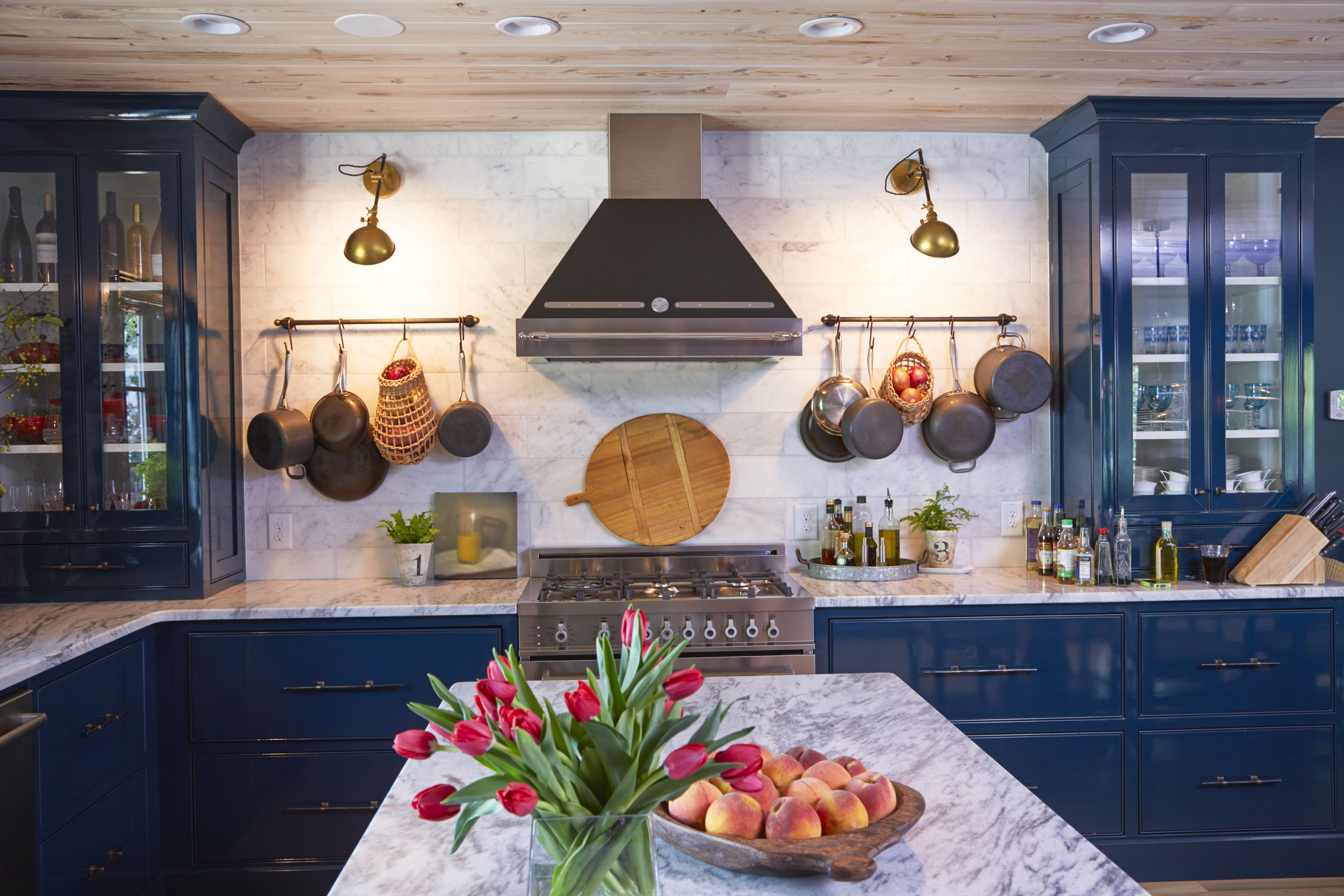 pam-sessions-hedgewood-homes-georgia-marble-kitchen-island
