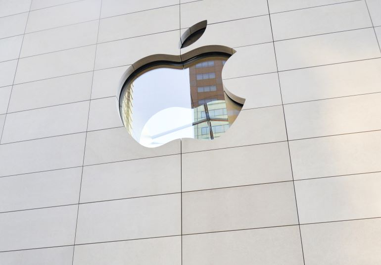 Apple_Store_Chicago_Indiana_Limestone_Silver_Buff