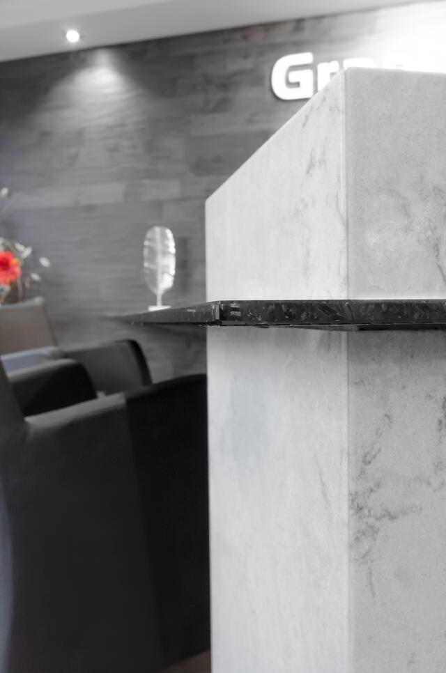 Granite_Plus_1cm_granite_desk2.jpg