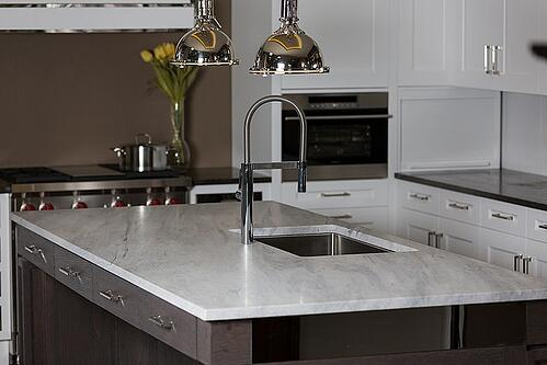 traditional-kitchen-design-with-marble-and-granite