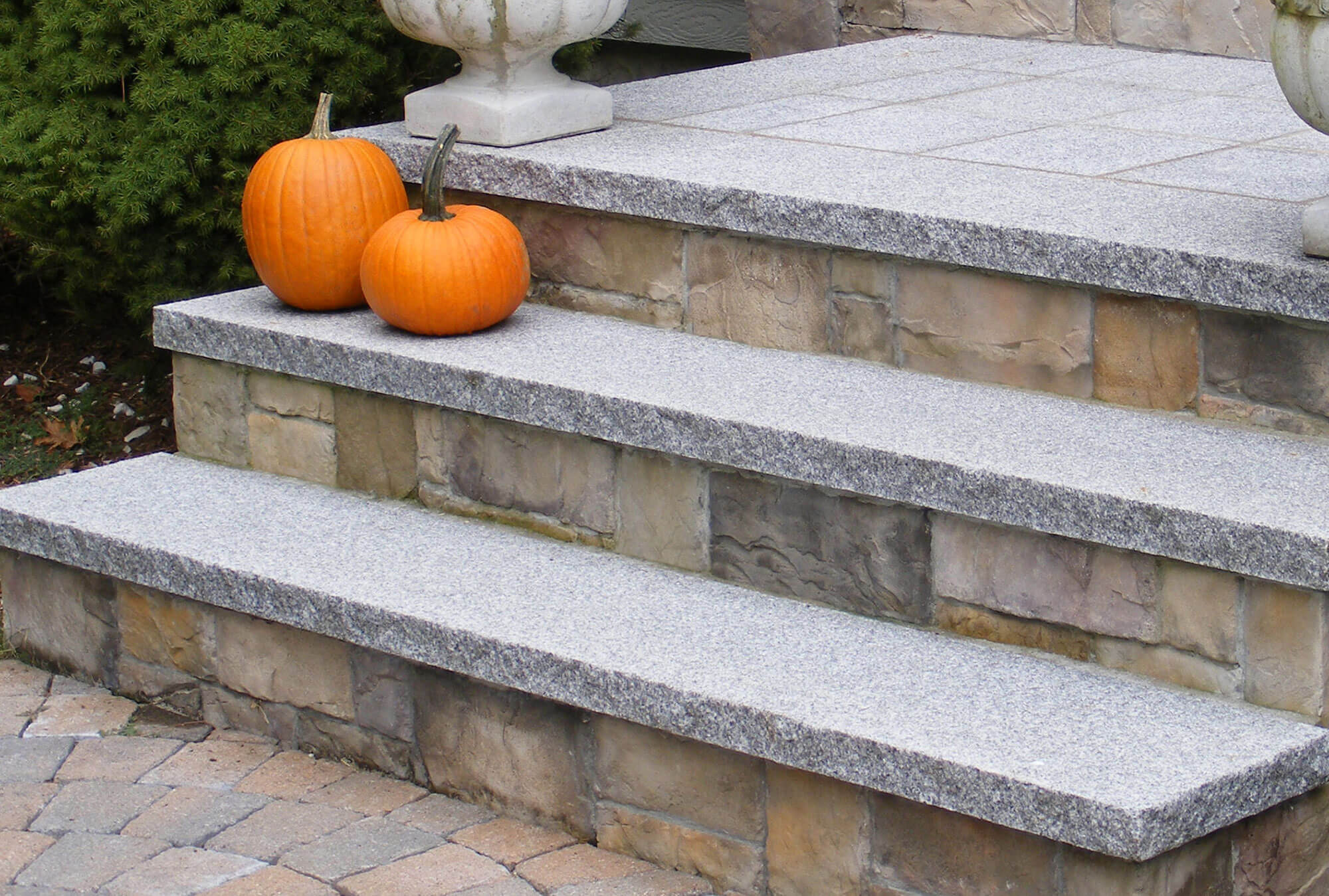 curb-appeal-gallery-polycor-hardscapes-8